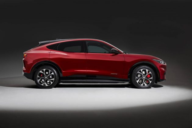 Ford Mustang Mach-E AUTOGRÁTIS