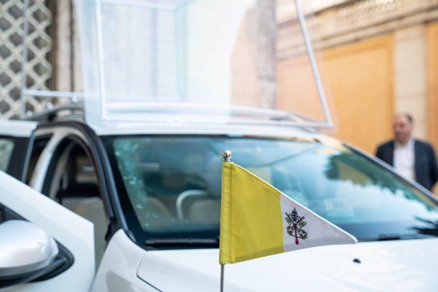 Dacia Duster papamobil AUTOGRÁTIS