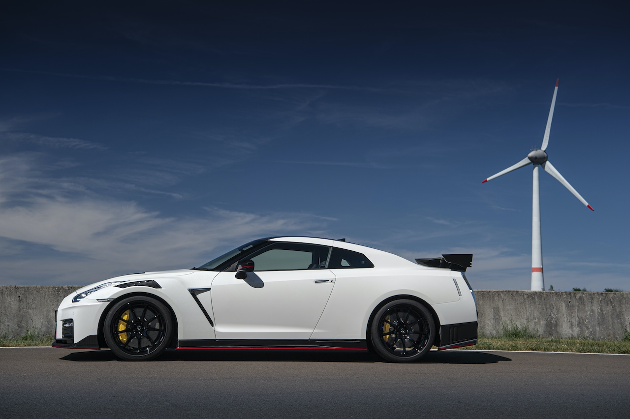 Nissan GT-R AUTOGRÁTIS