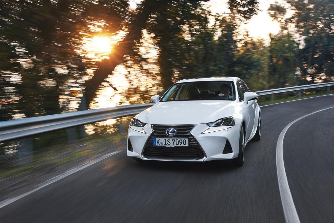 Lexus IS AUTOGRATIS