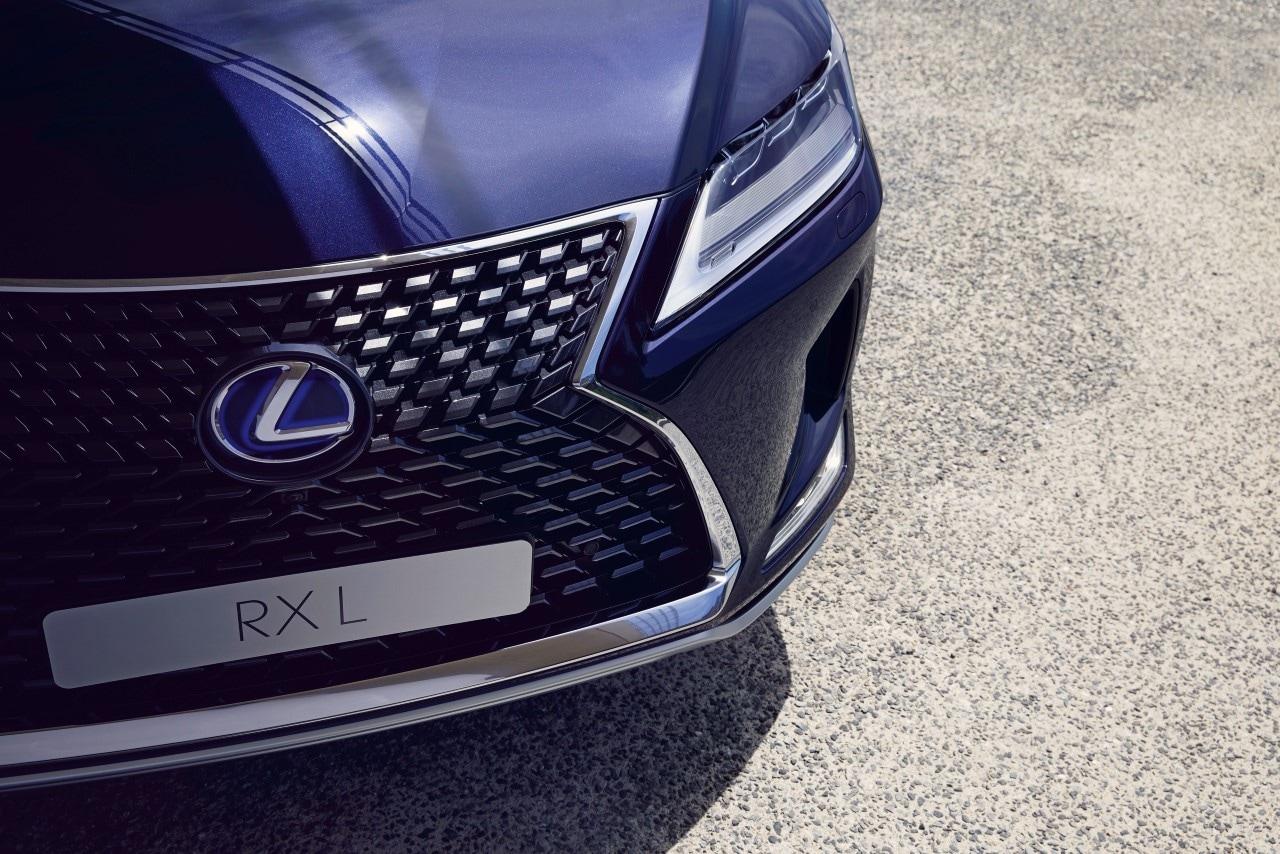 Lexus AUTOGRÁTIS